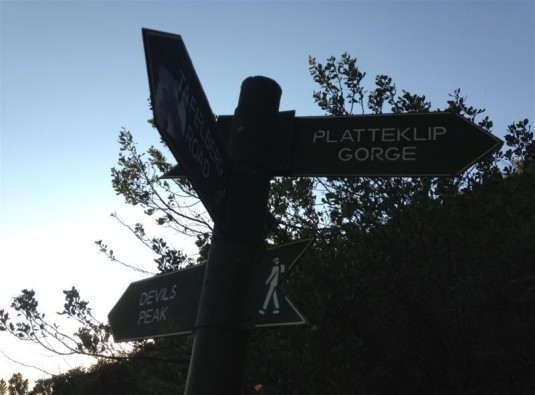 Right for Platteklip (a path of steps leading straight up the mountain) and left for Devils Peak.