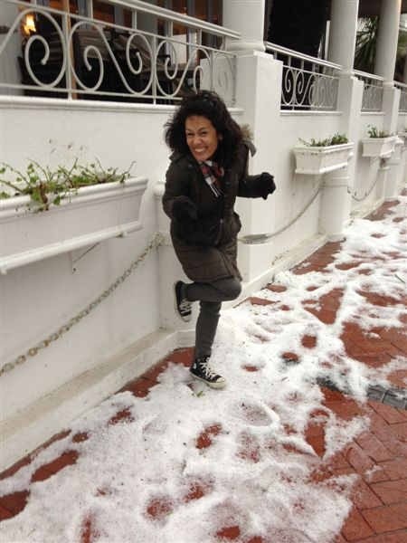 Outside the Winchester Mansions in Sea Point, the sidewalk and sides of the streets were still covered in little hail balls even 2 hours after the hail storm.
