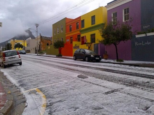 The beautiful and colourful Bo-Kaap dusted in white!
