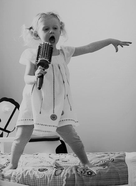 black-and-white-childhood-dream-sing-enjoy-Favim.com-783882