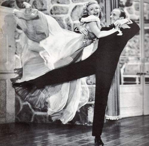 black-and-white-fred-astaire-ginger-rogers-old-hollywood-photography-Favim.com-343950