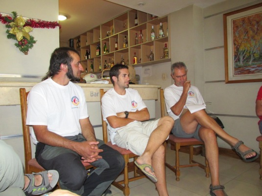 Having a team meeting this morning, Angel, Bruno and Ronnie give us the run down of the mountain!