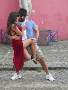 Sexy tango dancers on the streets outside.