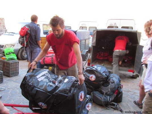The Inka guys springing into action as soon as we arrived, offloading the vans.